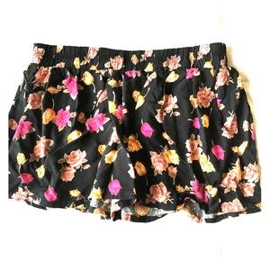 🌸floral shorts🌸